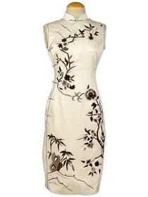 White Full Button Junoesque Chinese Monochrome Floral Embroidered Silk Brocade Cheongsam
