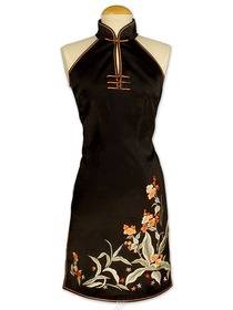 Black Beautiful Floral Embroidered Silk Crepe Satin Cheongsam