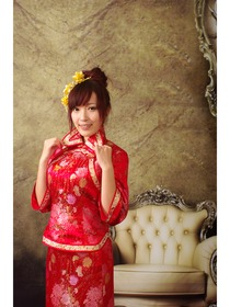 Red Lapel Collar Three Sleeve Brocade Cheongsam Suit/Chinese Dress