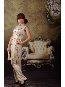 Ivory Front Slit Blooming Floral Hand Painted Silk Cheongsam Dress