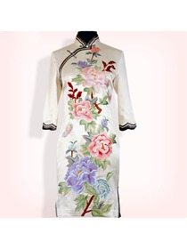 Mandarin Collar Half Sleeve Knee-length Embroidery Cheongsam