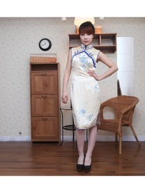Ivory Silk With Handpainted Wedding Cheongsam Dress