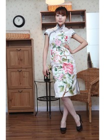 Ivory Mandarin Collar Knee-Length Embroidery Silk Brocade Normal Cheongsam