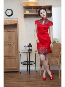 Red Mandarin Cap Sleeve Collar Knee-Length Silk Brocade Normal Cheongsam