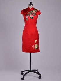 Red Traditional Cap Sleeve Knee-Length Silk Brocade Embroidery Cheongsam