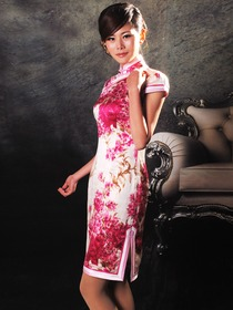 Pink Mandarin Collar Cap Sleeves Single-Line & Flower Botton Silk Satin Cocktail Length Cheongsam