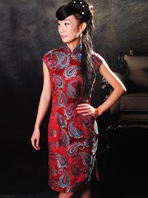 Red Peacock Tail Pattern Cap Sleeve Single-Line & Flower Botton Silk Brocade Knee Length Cheongsam