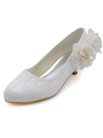 Elegant Low Heel White Almond Toes Flowers Bridal Lace Wedding Shoes